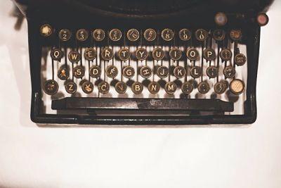 ¿El ordenador? No. ¡La máquina de escribir!