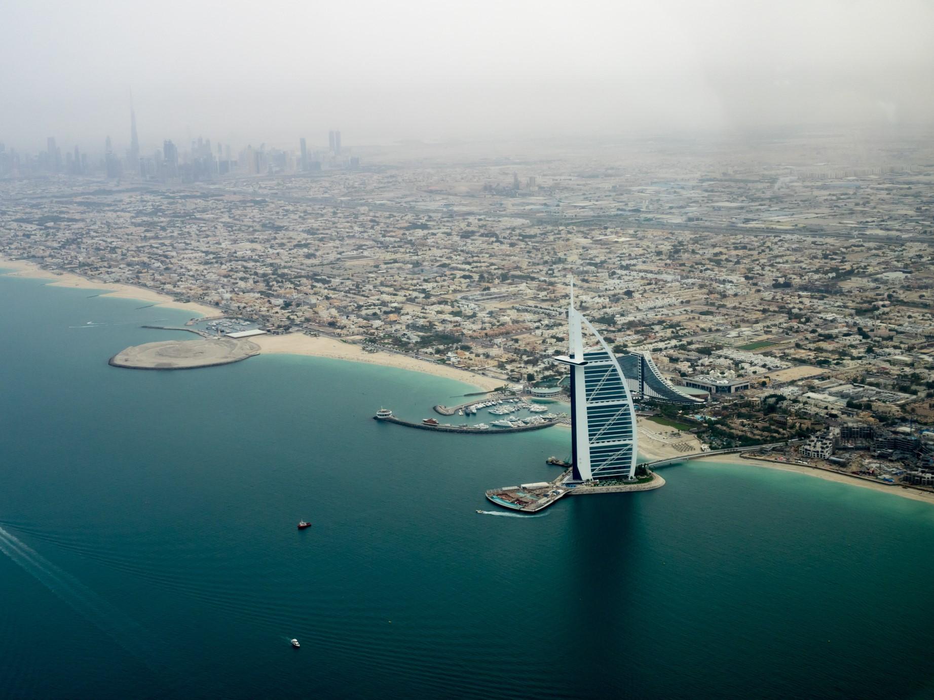 Emiratos Árabes y Arabia Saudita